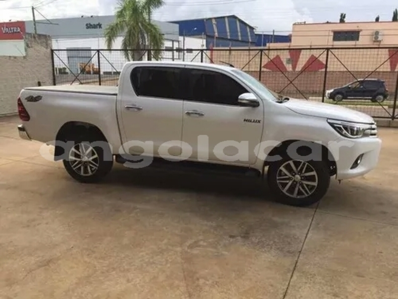 Big with watermark toyota hilux namibe province namibe 8493