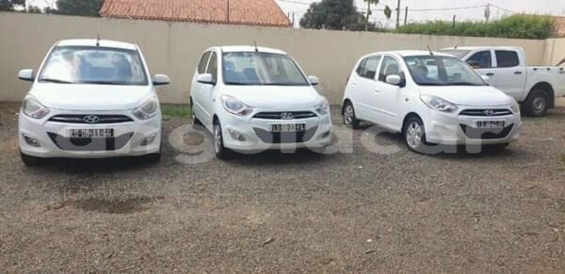 Big with watermark hyundai i10 namibe province namibe 8511