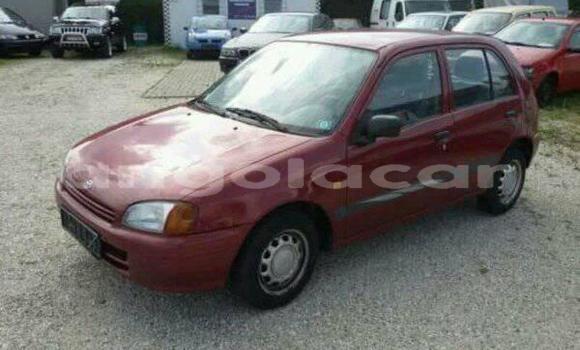 Comprar Usado Toyota Starlet Carro em Luanda em Luanda Province