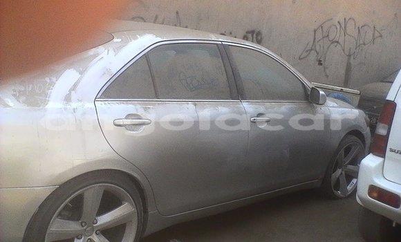 Comprar Usado Toyota Camry Carro em Luanda em Luanda Province