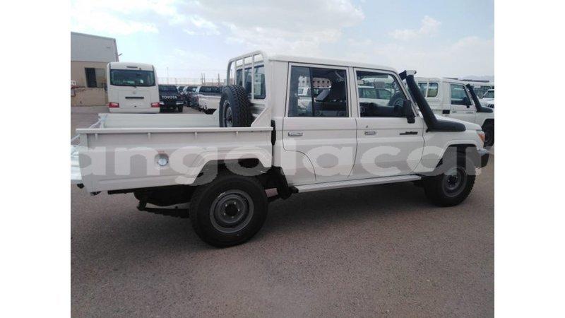 Big with watermark toyota land cruiser bengo province import dubai 8701