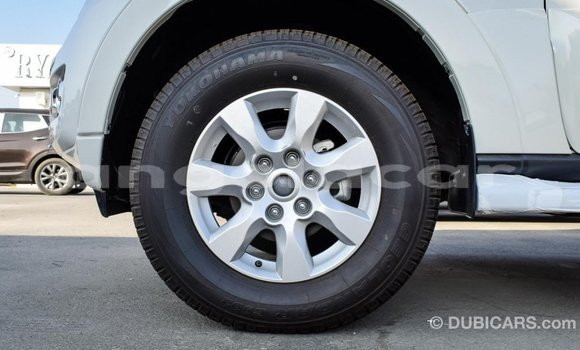 Comprar Importar Mitsubishi Pajero Branco Carro em Import - Dubai em Bengo Province
