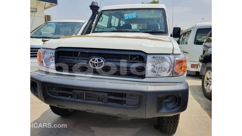 Big with watermark toyota land cruiser bengo province import dubai 8839