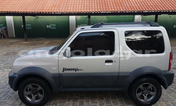 Comprar Novo Suzuki Jimny Branco Carro em Luena em Moxico