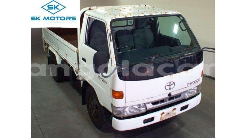 Big with watermark toyota dyna bengo province import dubai 9120