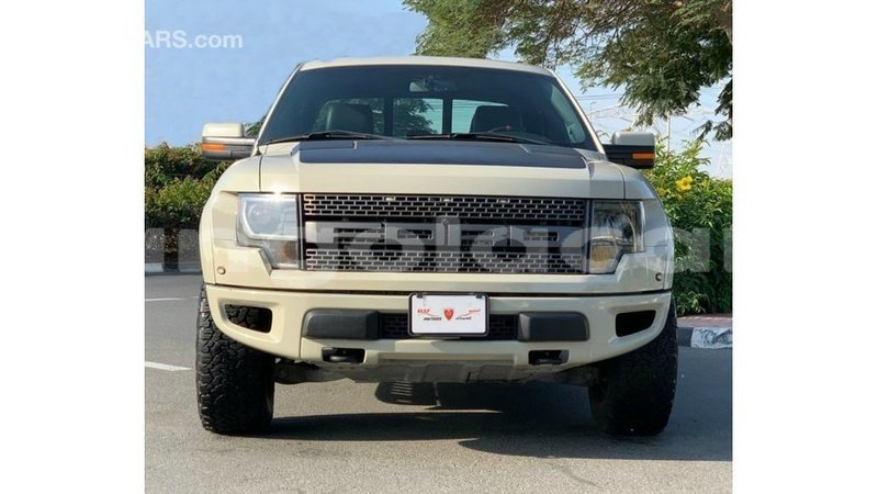 Big with watermark ford club wagon bengo province import dubai 9194