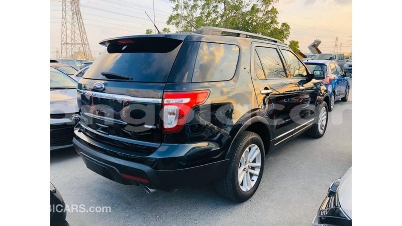 Big with watermark ford explorer bengo province import dubai 9390