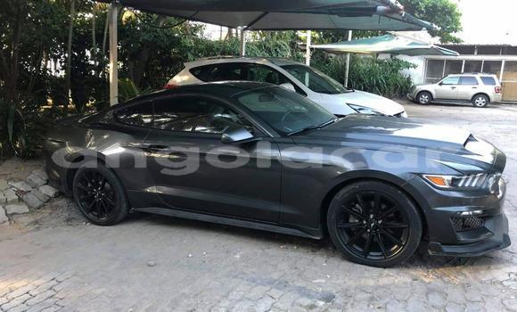 Comprar Usado Ford Mustang Preto Carro em Luanda em Luanda Province