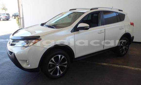 Comprar Usado Toyota RAV4 Vermelho Carro em Luanda em Luanda Province