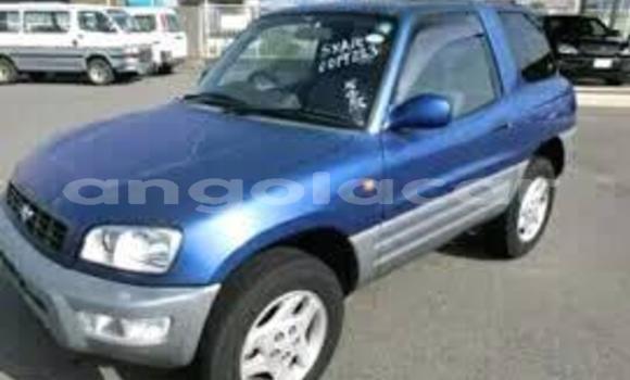 Comprar Usado Toyota RAV4 Azul Carro em Luanda em Luanda Province