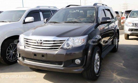 Comprar Importar Toyota Fortuner Outro Carro em Import - Dubai em Bengo Province