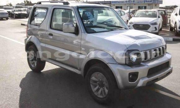 Comprar Usado Suzuki Swift Prata Carro em Luanda em Luanda Province