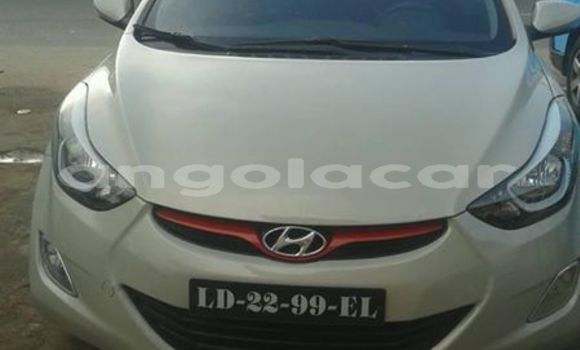 Comprar Usado Hyundai Elantra Branco Carro em Luanda em Luanda Province