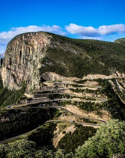 Thumb angola montagne route